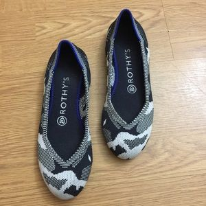 Rothy's // Black and White Round Toe Flat